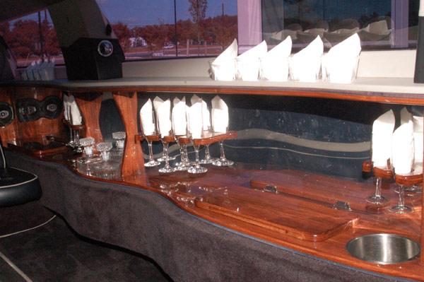 10 passenger black chrysler 300 interior