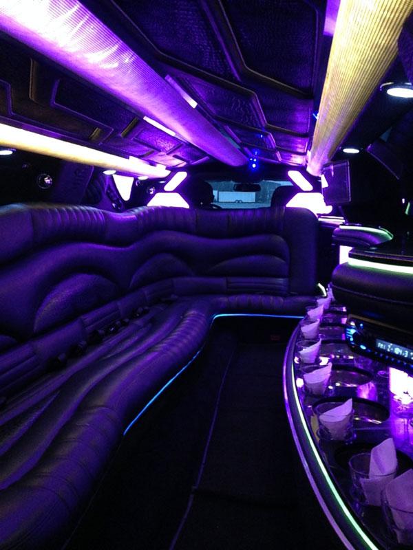 10 passenger chrysler 300 black interior