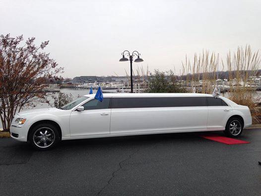 10 passenger white chrysler 300 exterior