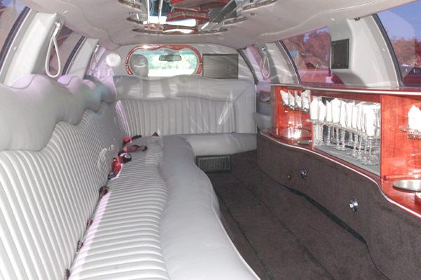 14 passenger lincoln towncar interior