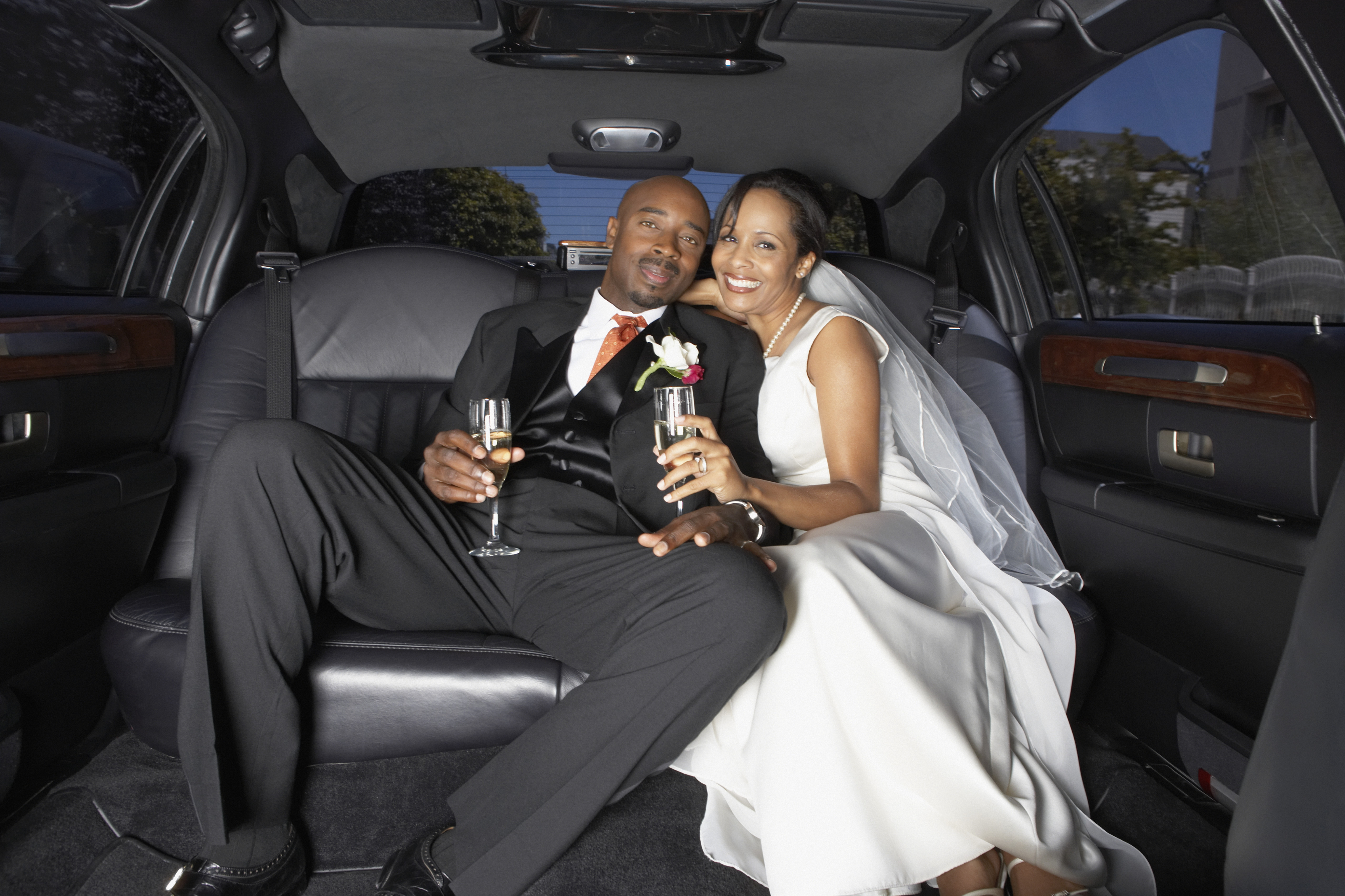 choose the best limo for your wedding day. Black Bedroom Furniture Sets. Home Design Ideas